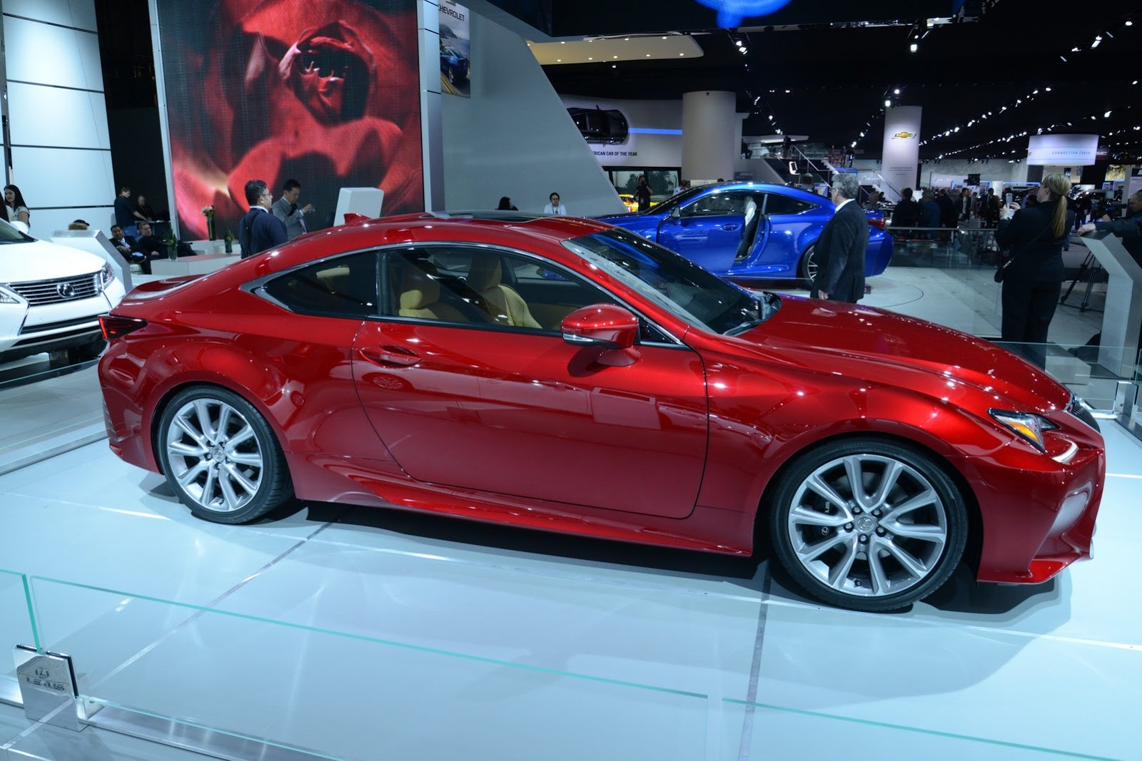 new lexus rc 350 shows off its red paint at detroit. Black Bedroom Furniture Sets. Home Design Ideas