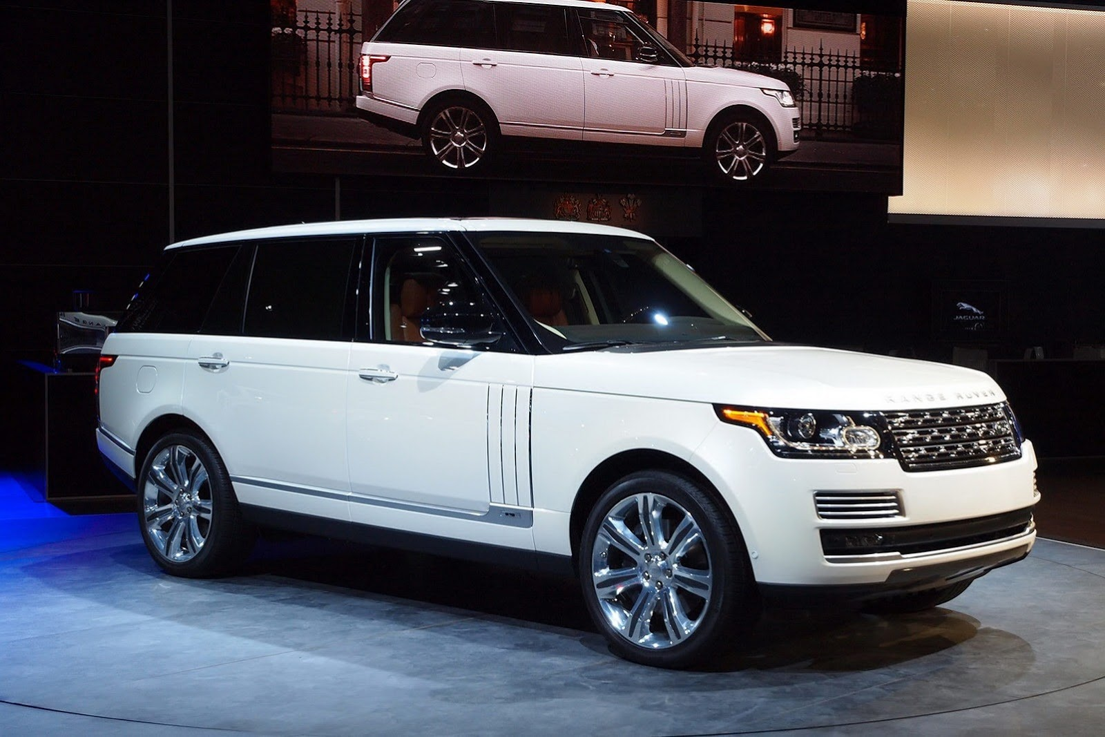more luxurious range rover variants in the works