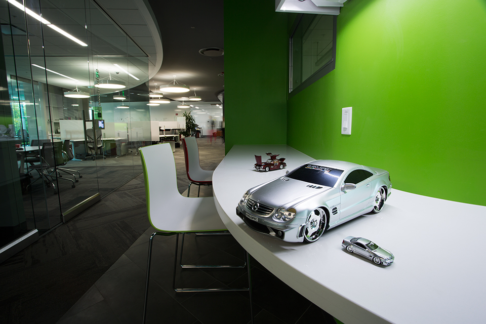 check out mercedes benz 39 san jose r d center fooyoh entertainment. Black Bedroom Furniture Sets. Home Design Ideas