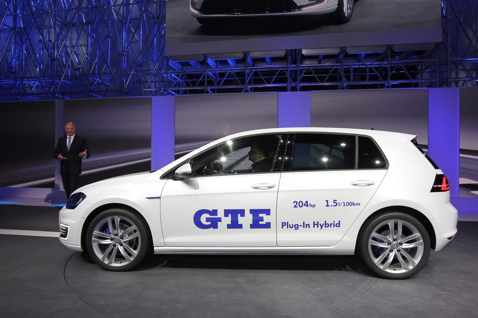 vw golf gte is the gti of plug in hybrids fooyoh. Black Bedroom Furniture Sets. Home Design Ideas