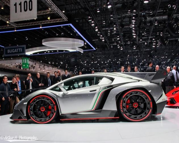 Lamborghini Veneno and Ferrari LaFerrari In Mini-Me Versions ... on la ferrari vs corvette, la ferrari vs koenigsegg, la ferrari vs bugatti, la ferrari vs mustang,