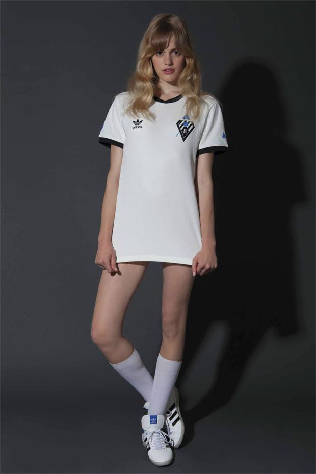 thebestartt.com / Mini models girl