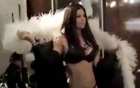 "Fergie Dances in Her Underwear in ""I Gotta Feeling"" Video ..."