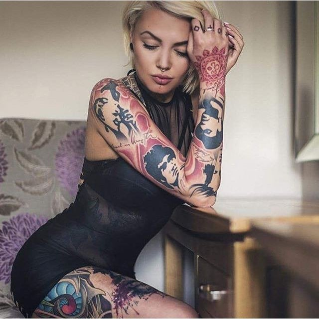 Tattoo Woman Getting: Women Are Getting More Badass Tattoos Than Men These Days
