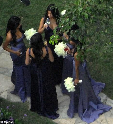 robe de demoiselle d'honneur violette Kim Kardashian