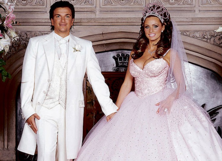 10 Ugliest Celebrities Wedding Dresses :: FOOYOH ENTERTAINMENT