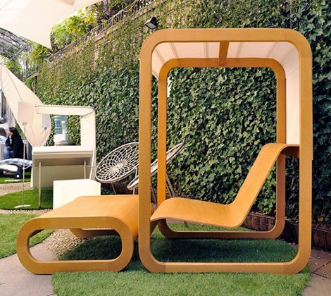 Where Better Than Fashionable Milan To See Unique Pieces Of Outdoor  Furniture?