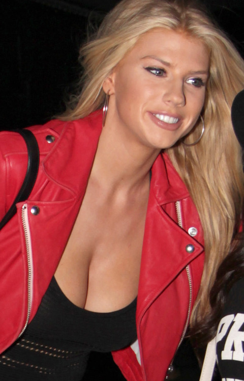 Charlotte mckinney is no kate upton daily k pop news latest k can say charlotte mckinney and kate upton are the same because theyre not for one charlotte mckinneys bosom looks artificially larger or does it voltagebd Choice Image