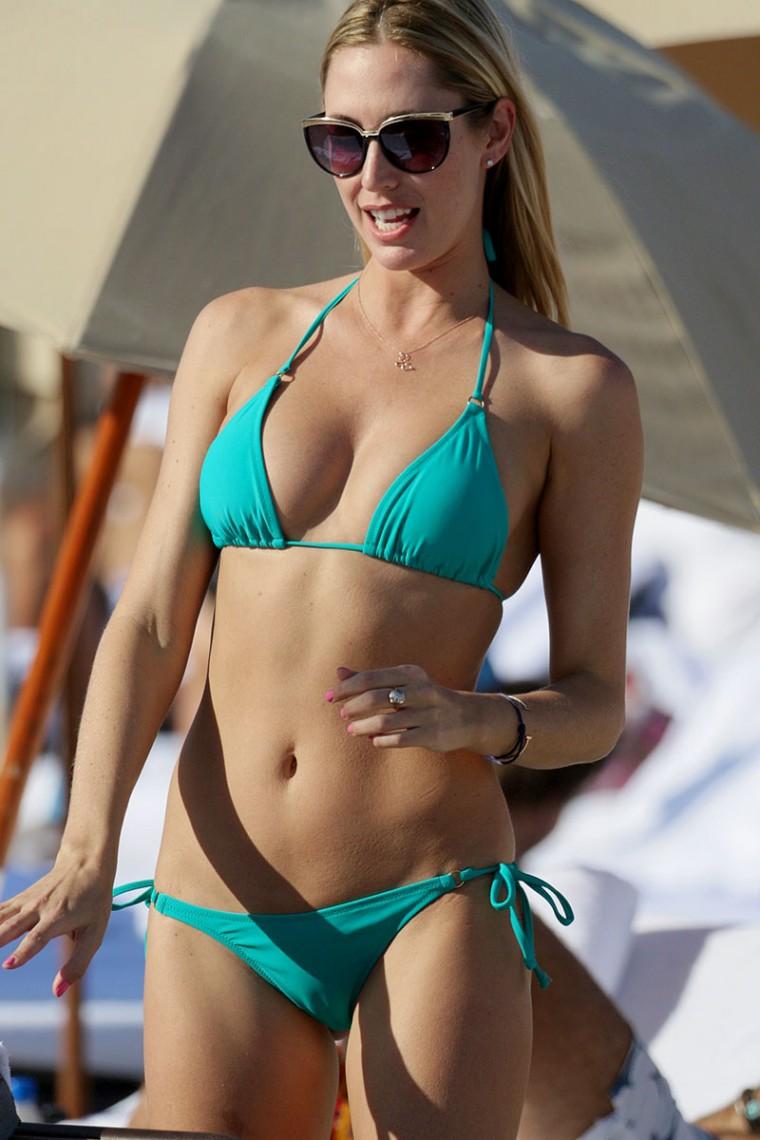 Lauren Stoner Is In A Bikini Fooyoh Entertainment
