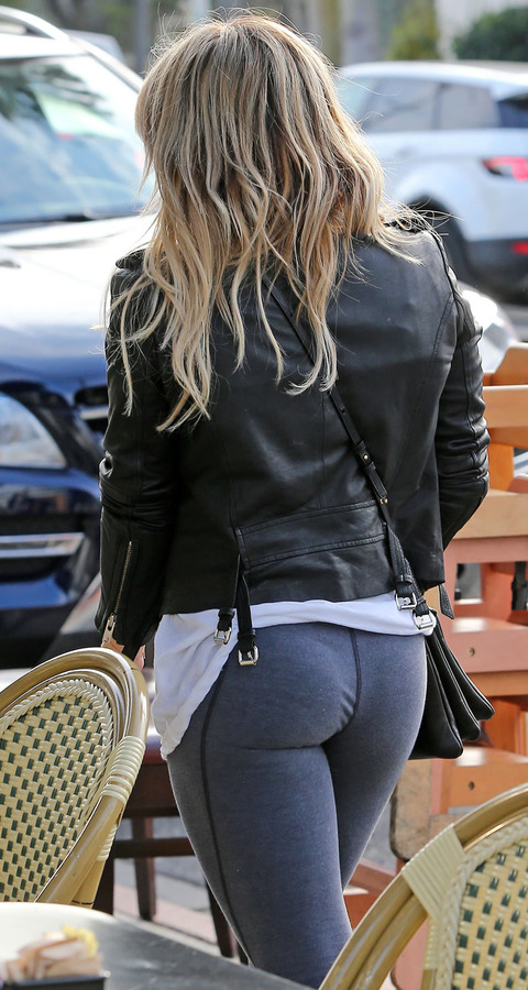 Hillary duff s ass with