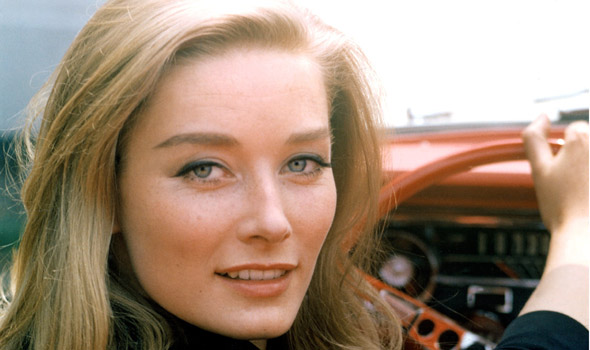 10 Best Bond Girls Of All Time :: FOOYOH ENTERTAINMENT
