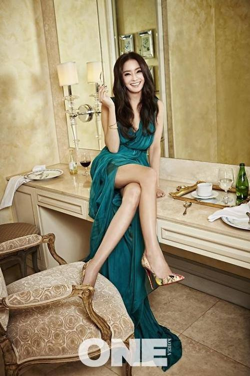 han chae young shows her sexiness    daily k pop news