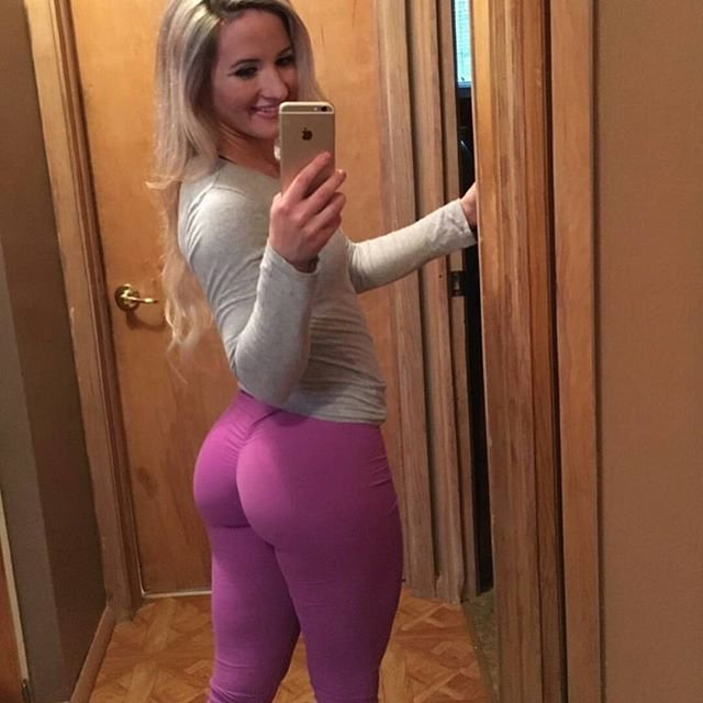 Are These Yoga Pants Or Body Paint Pants? :: FOOYOH ENTERTAINMENT