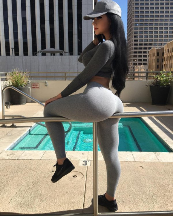 Sex Girls In Yoga Pants